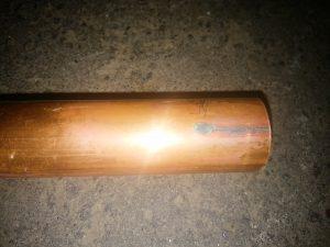 札幌市厚別区で水漏れ修理 ピンホール漏水した銅管1