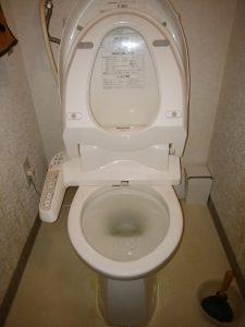 札幌市西区 トイレつまり修理 作業前のトイレ