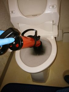 札幌市西区 トイレつまり修理 ローポンプ作業