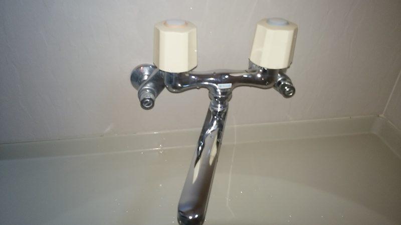 札幌市南区 お風呂の水漏れ修理 │蛇口のハンドルが硬くて閉まらない