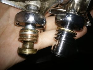 札幌 白石区 厨房の蛇口水漏れ修理 摩耗具合の比較