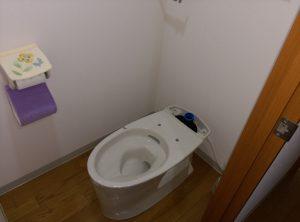江別市 野幌町 洋式 トイレ の 交換 工事 便器部分設置
