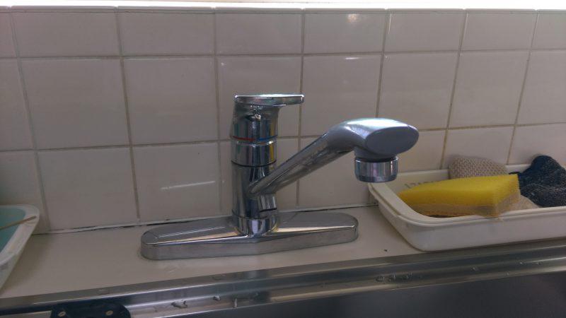 キッチン 蛇口 の 水漏れ 修理 | 札幌市 厚別区 厚別西 | 2穴タイプの蛇口の交換作業