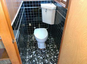 トイレ 詰まり 地下トラップ に 異物が!? | 札幌市 修理前①