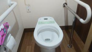 施設 トイレ の 詰まり 修理 | 札幌市 豊平区 中の島 作業中①